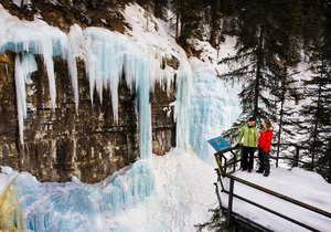 Ice-Walk Johnston Canyon