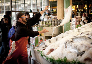 Seattle Food & Cultural Tour of Pike Place Market
